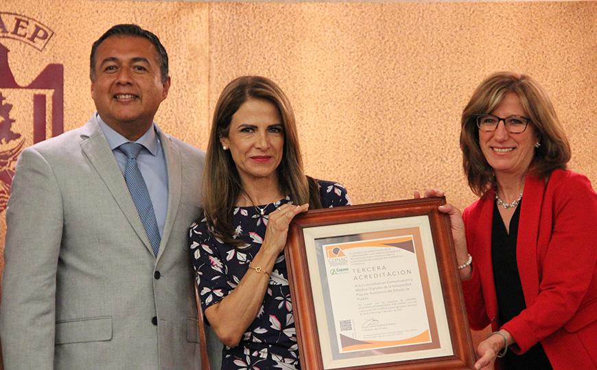 La Facultad de Comunicación y Medios Digitales de UPAEP recibe tercera Acreditación por el CONAC